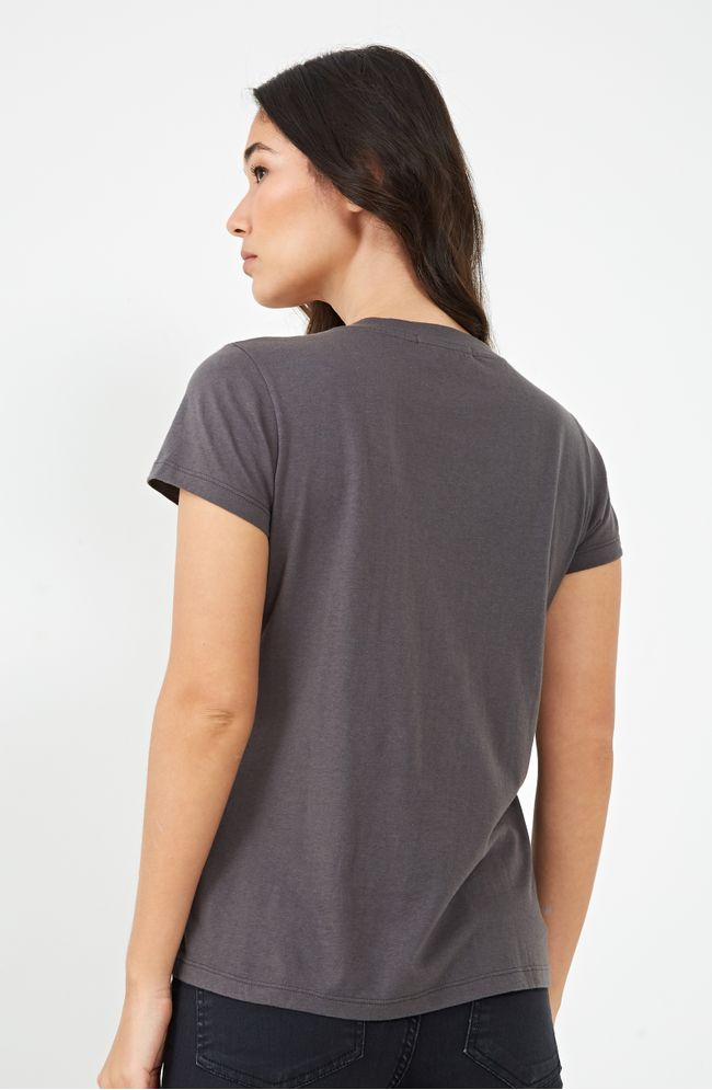 05200931_137_02-BLUSA-SILK-SHE-IS-QUICK